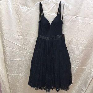 Mac Duggal Dresses - Black lace MacDuggal dress NWT size 4
